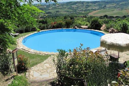 Original stone villa, on the hill, fantastic view - Penna San Giovanni, Macerata