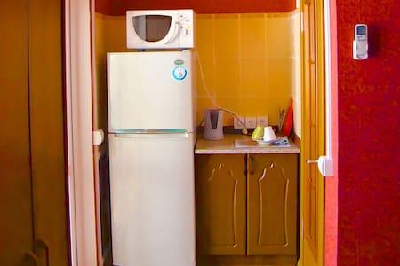 Тихая и романтичная квартира - Ейск - Apartment