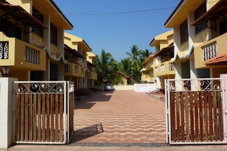 3BHK Villa with pool, ideal locale - Villa
