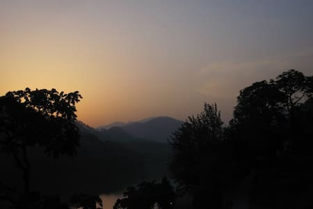 Himalayan Lakeside Guesthouse - Bhimtal - 一軒家