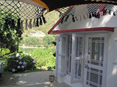Himalayan Lakeside Guesthouse