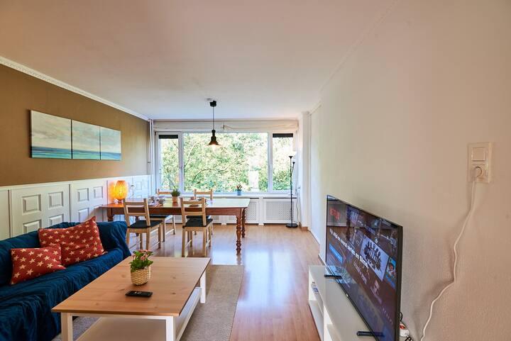 Van der Helmstraat 3-bedroom apartment