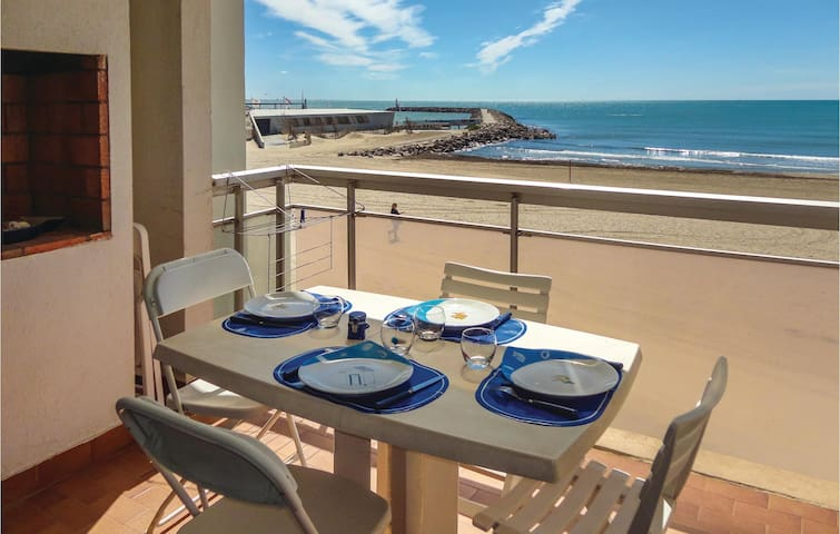 Holiday apartment with 2 bedrooms on 65m² in Carnon Plage