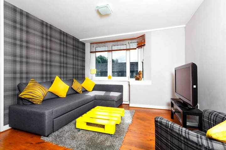 Large Modern Apartment (Sleeps 6) Parking/WiFi - Edinburgh - Apartment