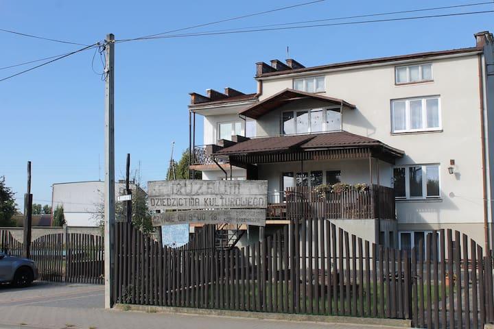 """Guest Rooms """"Bocianie Spanie"""" Leszek Poniński"""