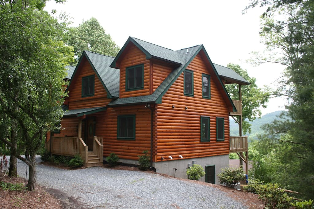 Ws beautiful log fence hot t views fire pit cabins for Boone cabin rentals nc