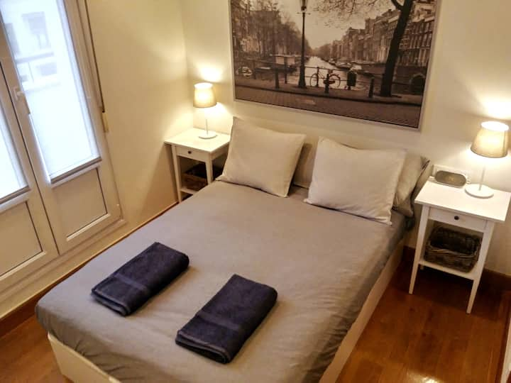 Private Room in Penthouse - Bilbao center