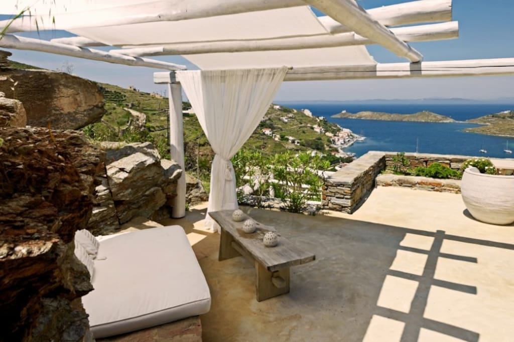The big terrace of suite Ouranos