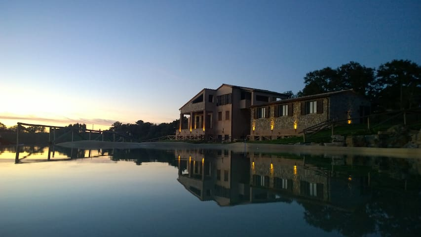 Farm house with apartaments and B&B - Poggioferro - Oda + Kahvaltı