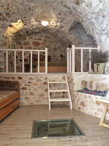 Unique stone house in Mani - Oitylo - Apartamento