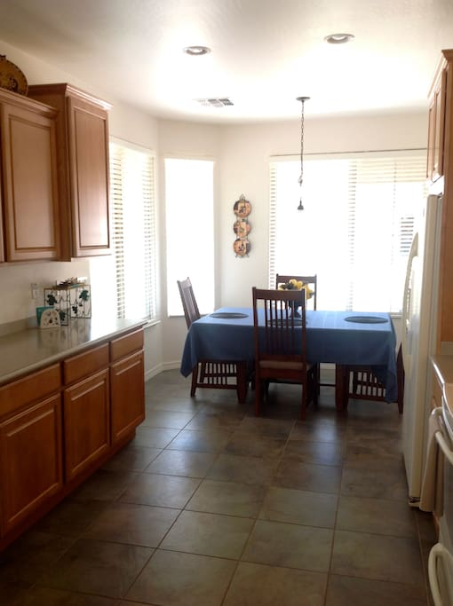 Eat-in large kitchen/with Bar seating. New appliances.