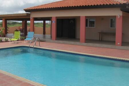 Villa J van Domburg - Oranjestad