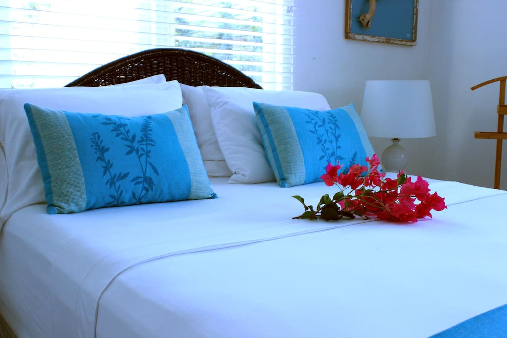 Enjoy sleeping on a comfortable queen sized bed and high quality linen
