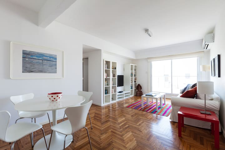 Renovated 2 Bedroom Apt w/ terrace - Buenos Aires - Flat