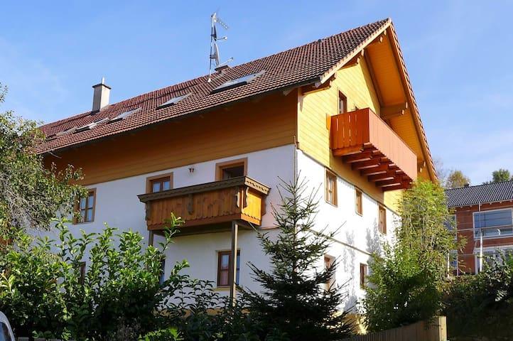 Gemütliche 3 Zi. FeWo im Zellertal - Arnbruck - Apartamento