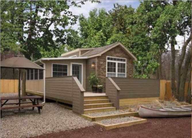 Luxury Park Model Cottages  - Toms River - Kabin