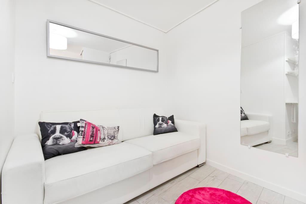 Vous disposez d'un canapé-lit en cuir à couchage quotidien très confortable