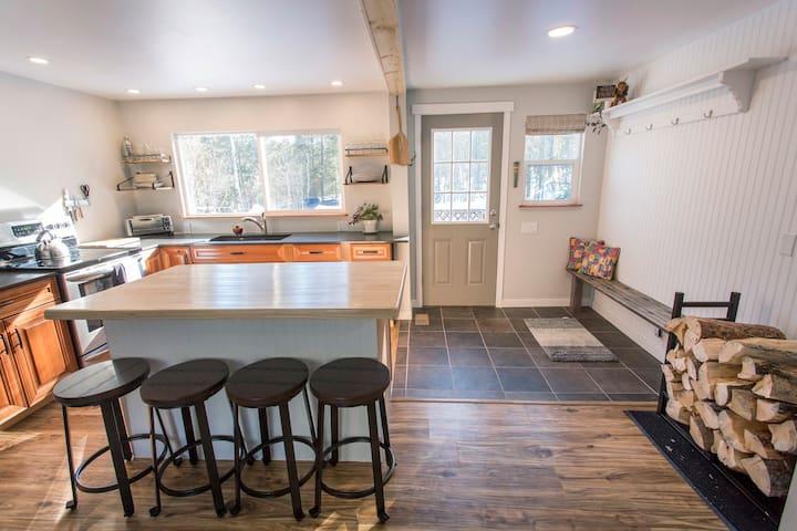 Cabin Retreat in Big Woods