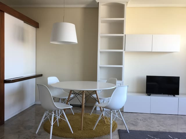 Bright apartment next to Serrano Street -2PAX-