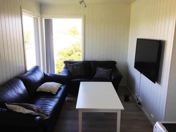 Lys og fin leilighet sentralt i Lofoten