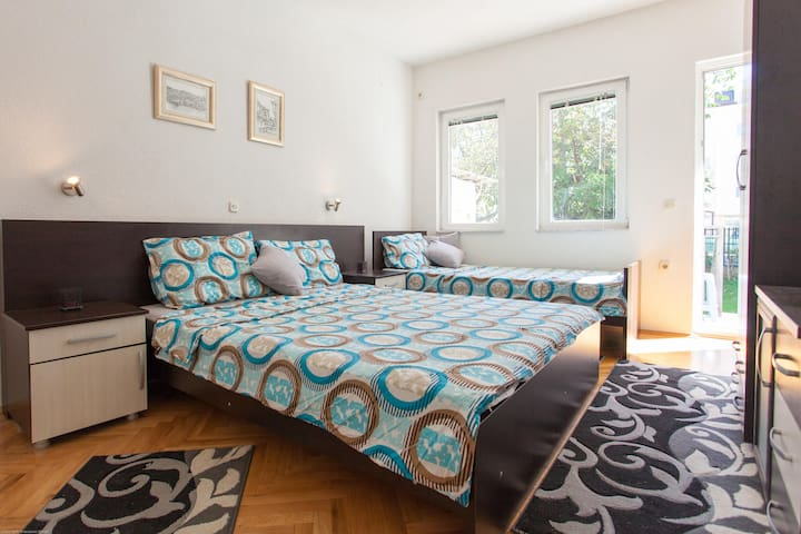 Villa Stefano - room for three - Ohrid - Hus