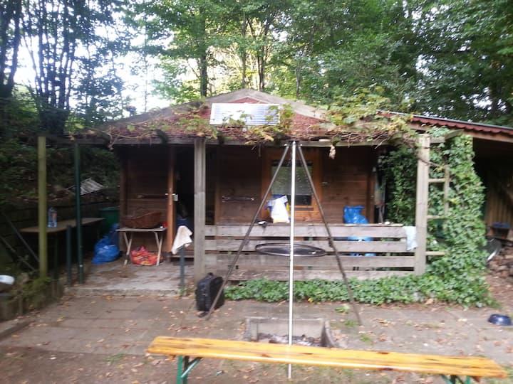 Wunderschöne Waldblockhütte