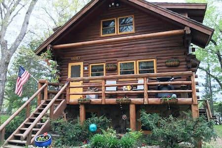 Nature Lover's Log Cabin Retreat