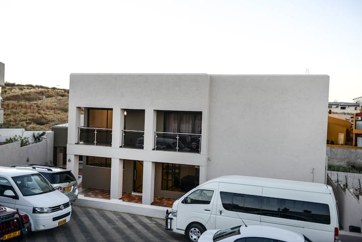 Discovery Guest House and Car Hire