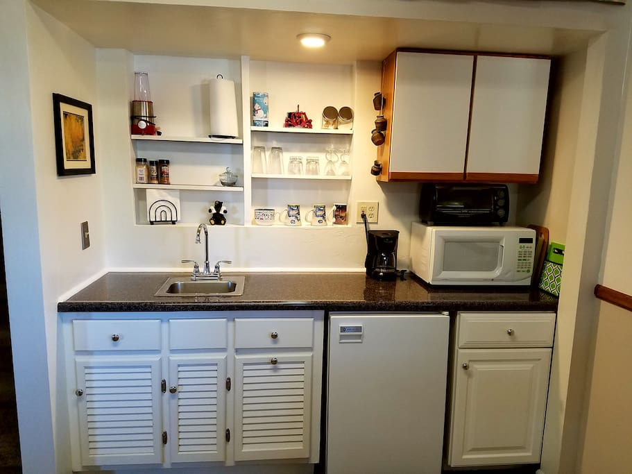 Kitchenette - microwave, toaster oven, single electric skillet, all utensils and fridge