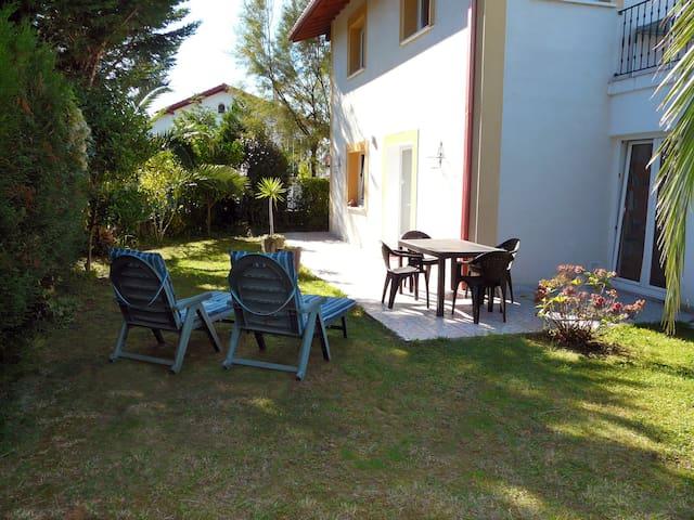 Apto c/jardín, cerca playa, Hendaya - Hendaye - House
