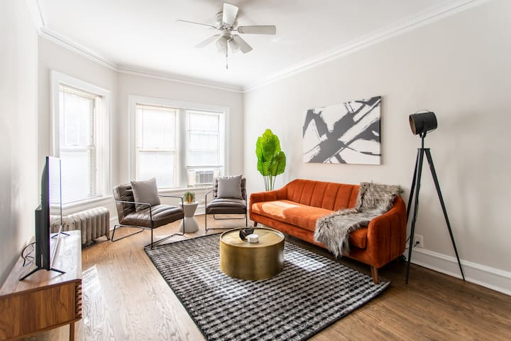 ⭐ Winter Special! Charming 2BR near Lincoln Square