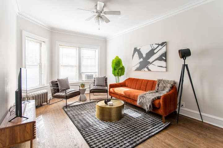 Charming and Clean 2BR Apt at Lincoln Square