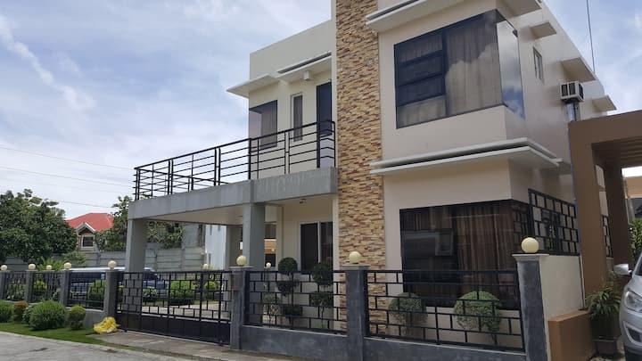 Tagbilaran City Transient House For Rent - 4 BR