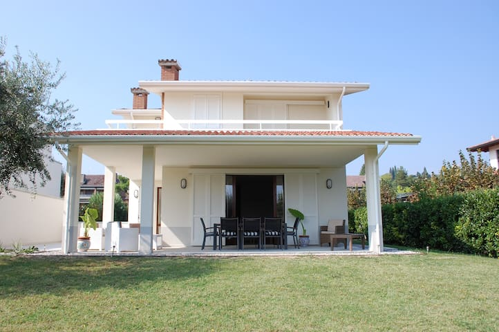 """Villa Sophora Holiday""   Moniga del Garda"