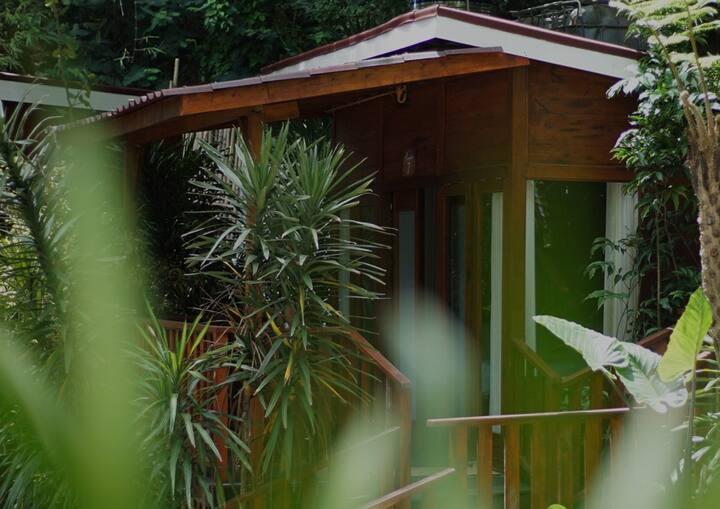 Maniva Particael Resort