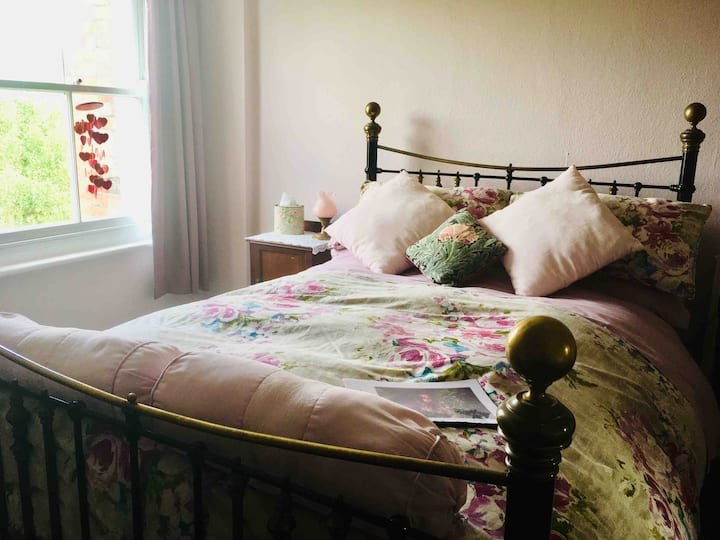 Delightful Elegant Double Edwardian Room