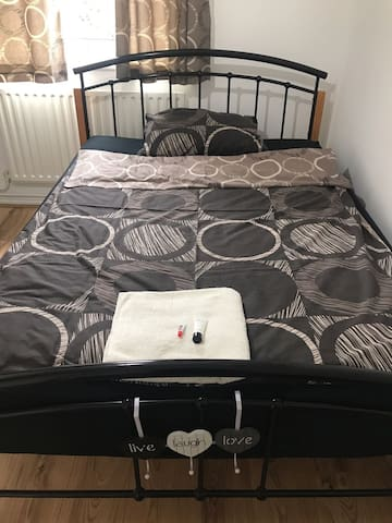 Double bed for couple