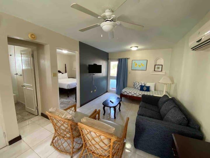 Cozy 1 bedroom condo  at Point Village, Negril