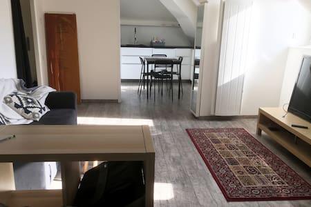 40 m² sous les toits