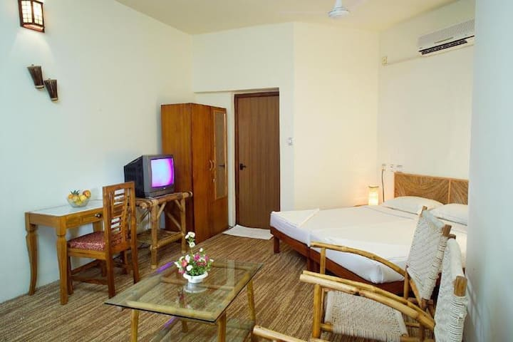 Air conditioned Poolside room at Varkala cliff