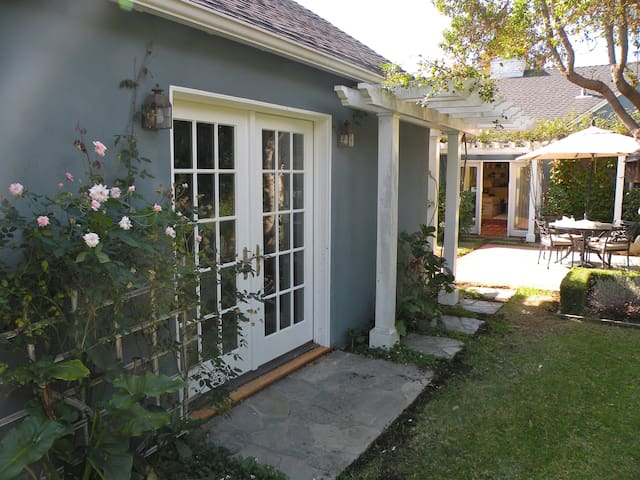 Guest Cottage Near the Sea! - Pacific Palisades, Los Angeles - Hus