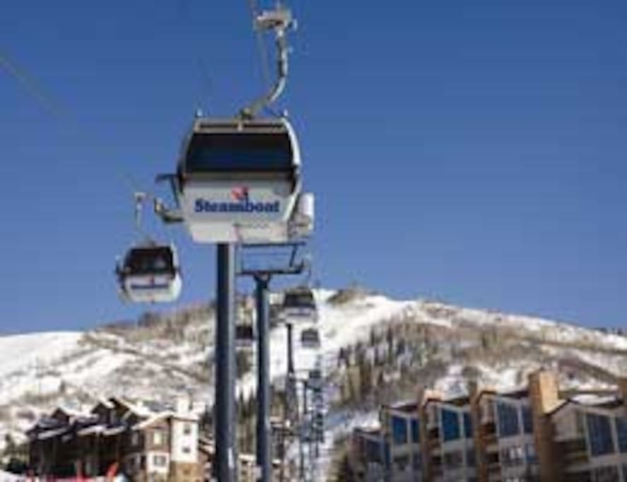 Splendorous Skiing