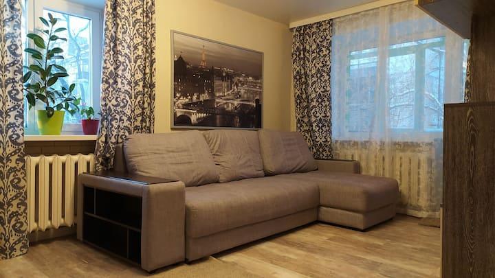 Уютная и яркая 1-комнатная квартира на Актюбинской