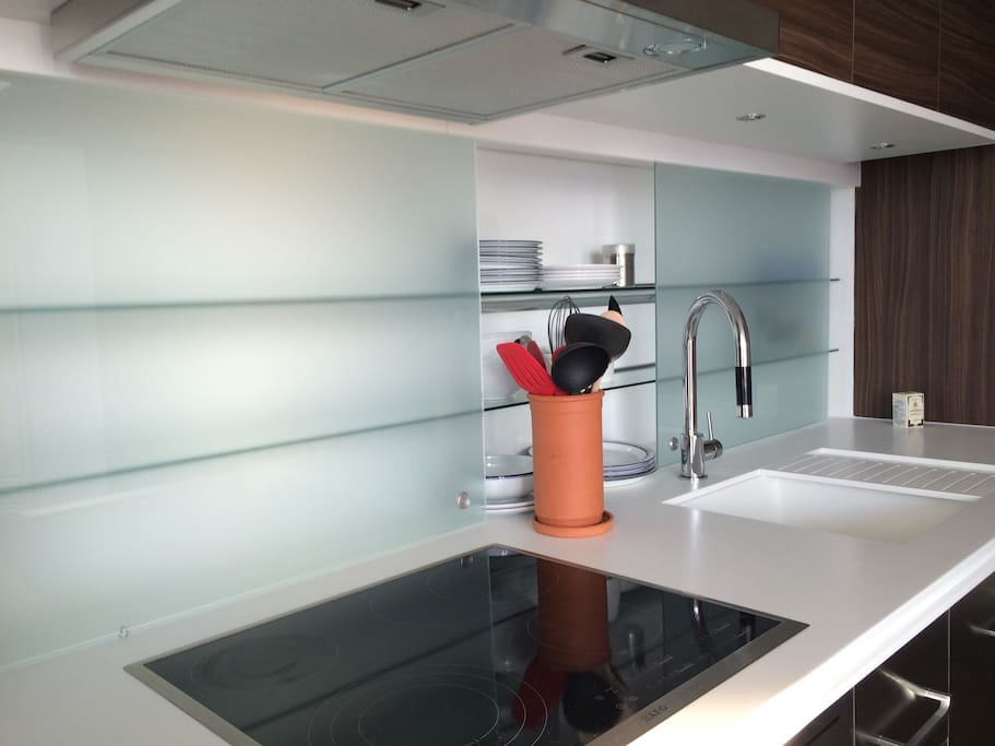 Make a snack in the fully equipped, modern kitchen