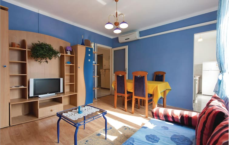 Comfy two bedroom apartment in Pula