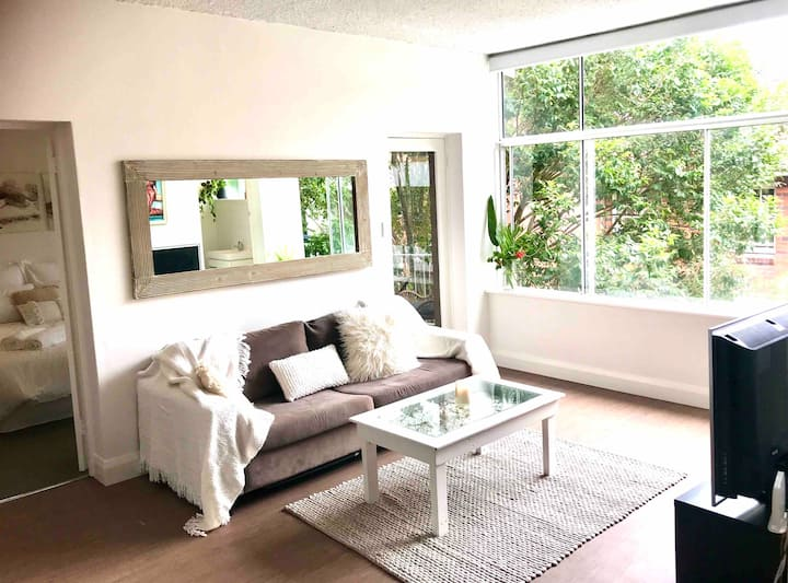 Superb Manly Location close Beaches and Bush