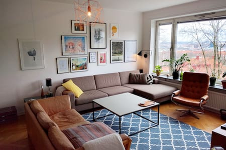 Central but quiet 3BR with a great view - Gothenburg