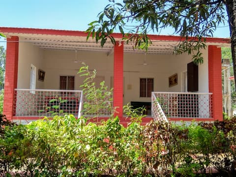 Cosy 2 Bedroom private cottage near MTDC Karla