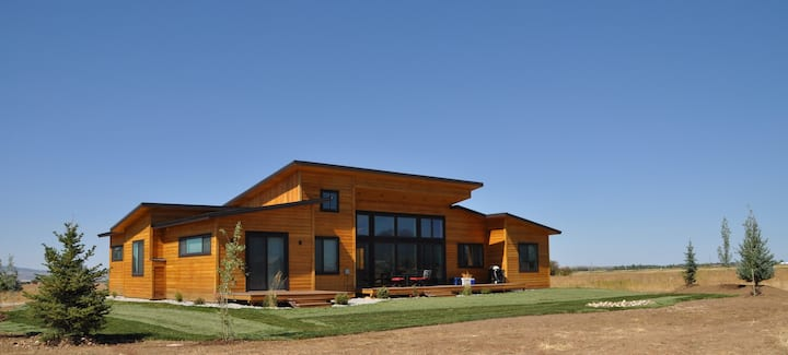 Indoor/Outdoor Living with 4-Peak Teton View