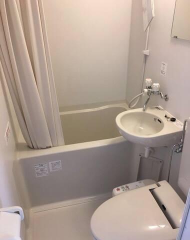 成田駅のKarin Doo Hotel、駅まで無料送迎。シングルルーム、激安、お風呂付き,1名限定